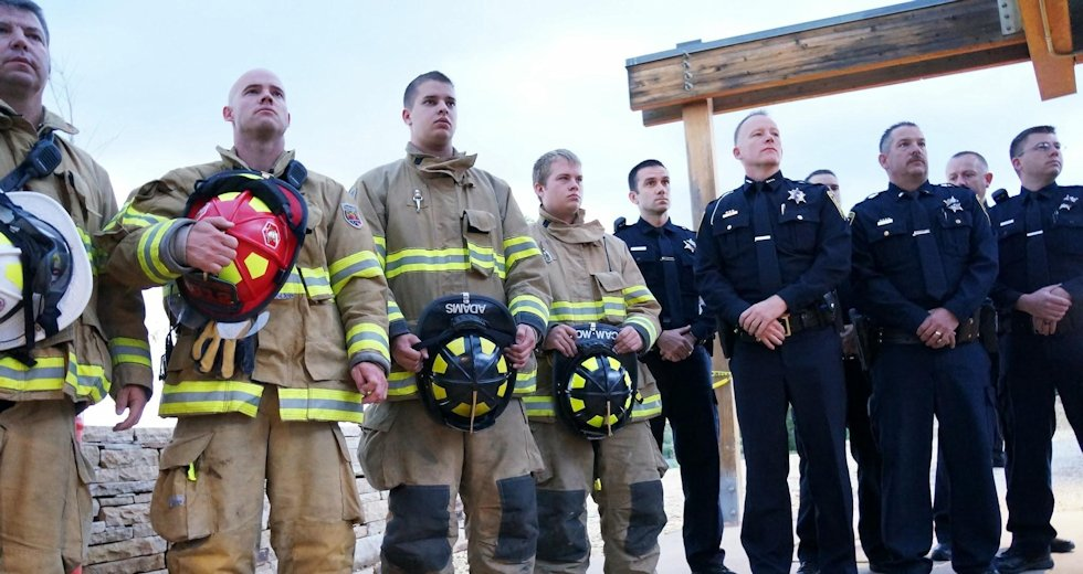 9-11_firefighters_and_cops_0